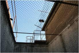 Laufgänge im Stasi Gefängnis Berlin Hohenschönhausen
