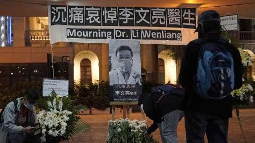 15811006-viele-chinesen-trauern-um-am-coronavirus-verstorbenen-arzt-li-wenliang-1SIG
